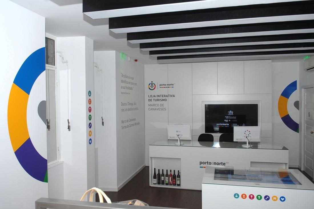 Interior Loja Interativa de Turismo