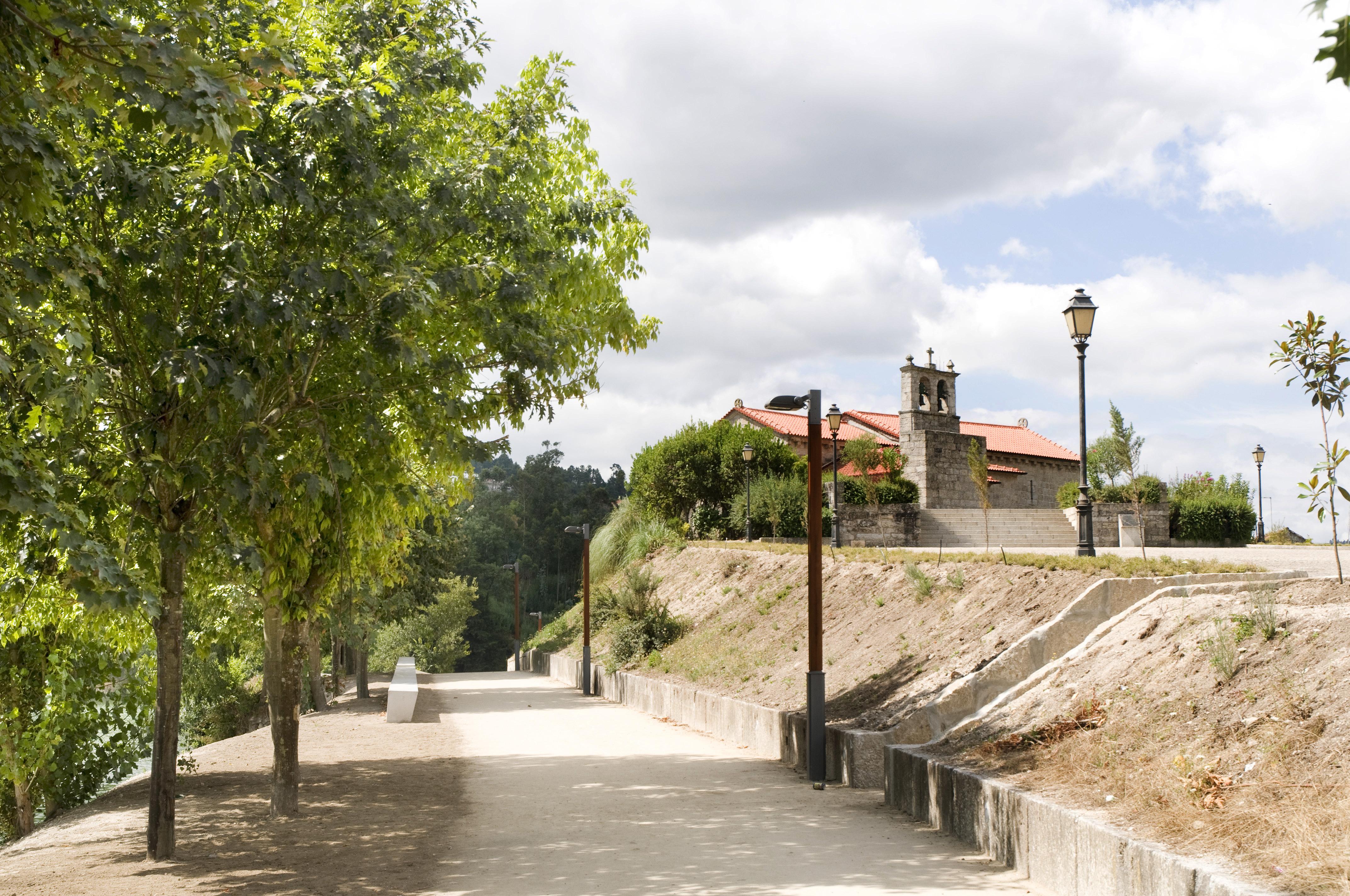 Igreja de Santa Maria de Sobretâmega e Parque Fluvial do Tâmega