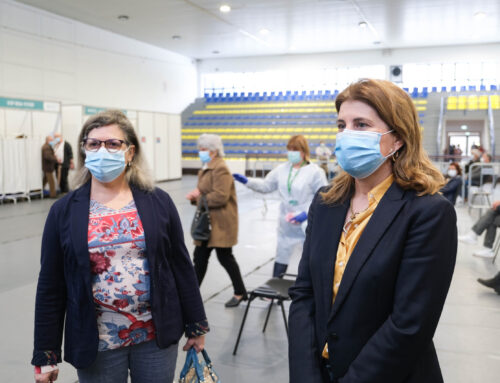 Vacinação contra a Covid-19 decorre no Pavilhão Bernardino Coutinho