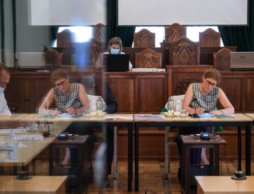Delegação de Competências gera poupança de 34 mil euros em fotocópias nas escolas